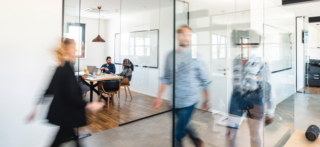 Weer terug naar kantoor, waar kun je als werkgever op letten?